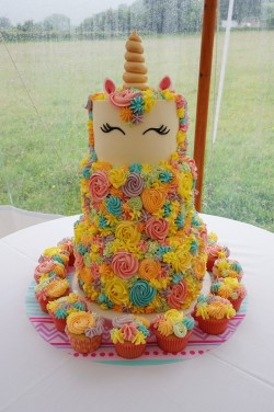 3 tier unicorn cake